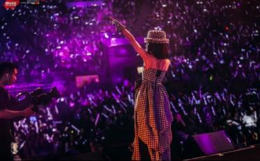 人民娱乐网:2019张韶涵「寓言」世界巡回演